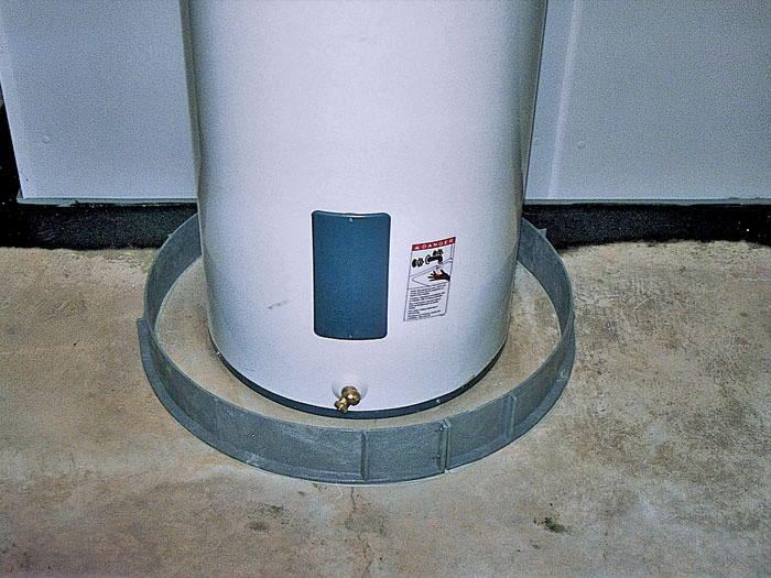 Water Heater Leaking | 700 x 525 · 77 kB · jpeg